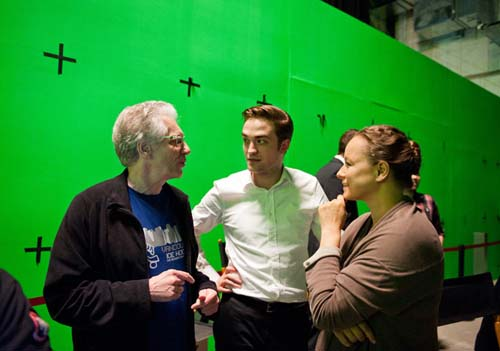 Robert-Pattinson-and-David-Cronenberg-on-set-of-Cosmopolis