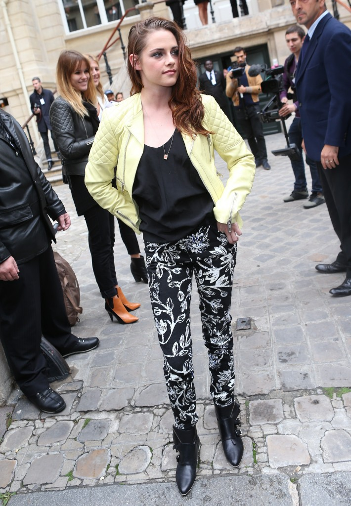 Kstewartfans Paris Fashion week 9.27.2012 (9)