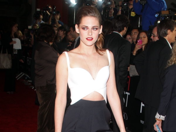 kristen-stewart-afi-fest-on-the-road-110312-7-600x450