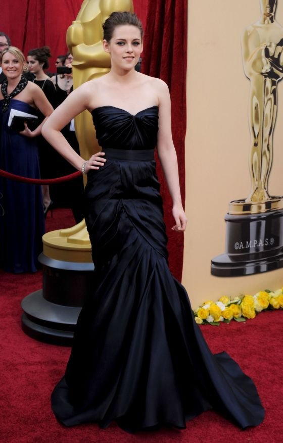 kristen-stewart-oscars-2010-dress-9