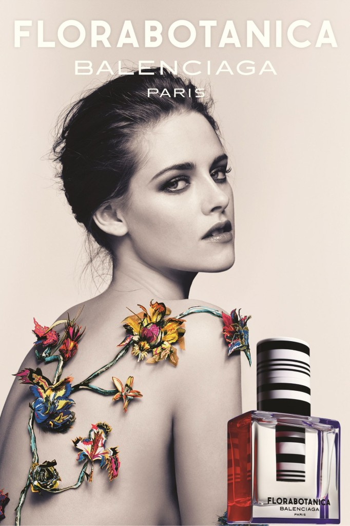 BALENCIAGA_Kristen-2013-vogue-30aug13-pr_b